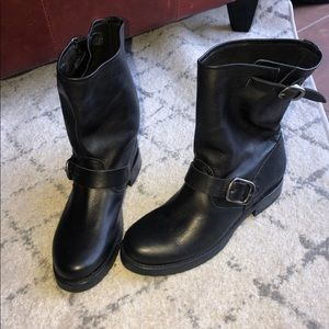 Veronica Short Leather Frye Boots